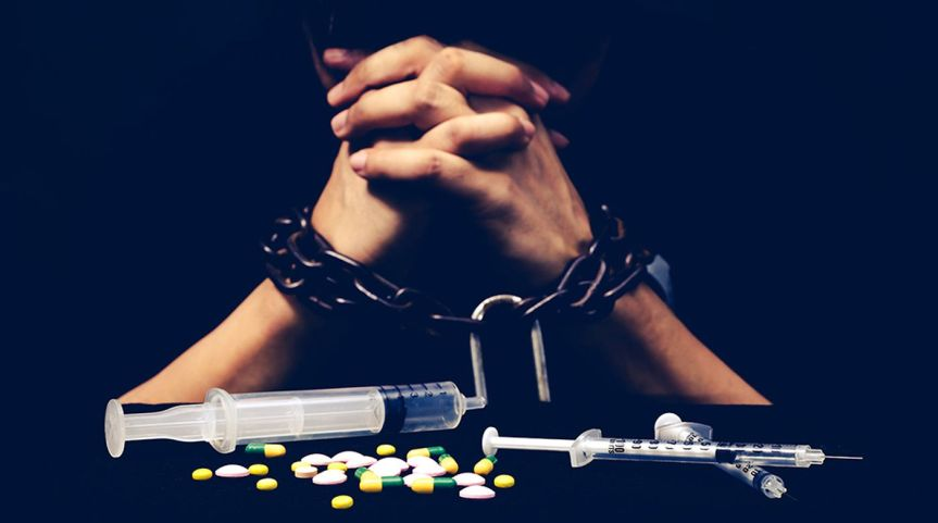 11 BIG Signs of Opioid Addiction Everyone Should Know