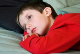 abdominal-pain-in-children-s15-photo-of-sick-boy-in-bed-7