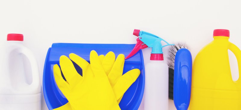 Dangers of Bleach + NEVER Mix Bleach with These 3 CleaningIngredients