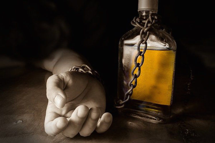 Alcohol abuse leads to cancer, strokes, heart disease, braindamage