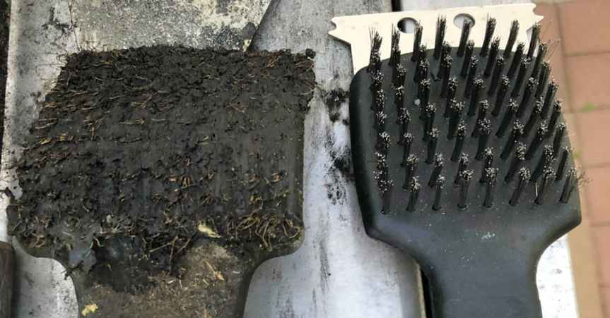 Doctors Are Warning All Grillers To Throw Away Their Wire BBQ Brushes IMMEDIATELY!